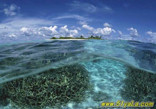 南沙群岛:是中国南海诸岛四大群岛中位置最南